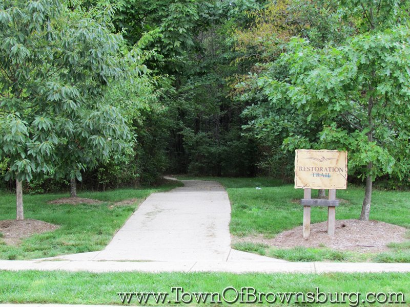 Eagle Crossing, Brownsburg, IN: Entrance to Walking Trail