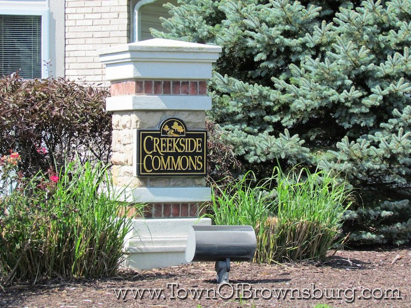 Creekside Commons, Brownsburg, IN: Entrance