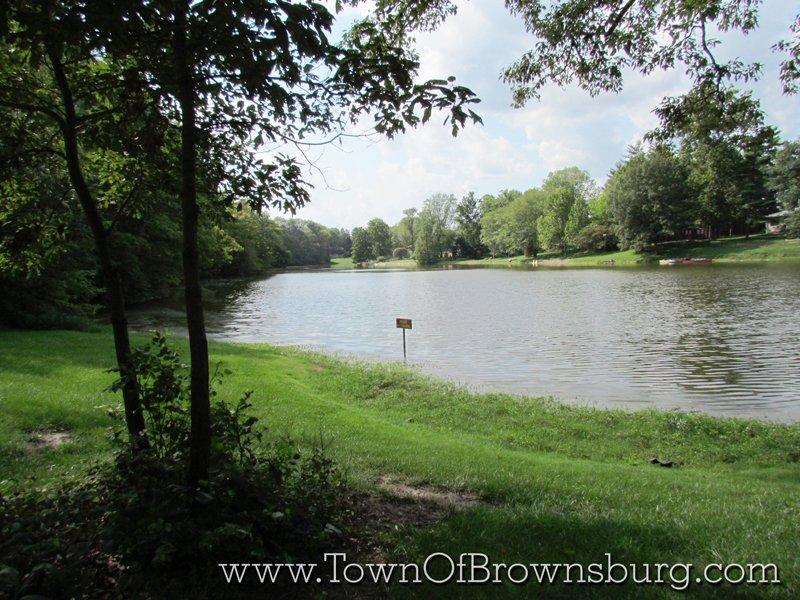 Mallard Crossing, Brownsburg, IN: Pond