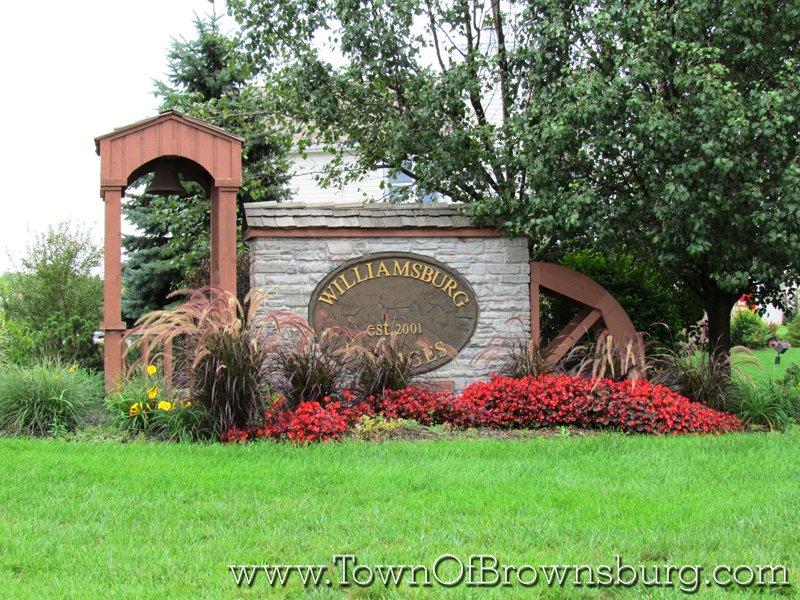 Williamsburg, Brownsburg, IN: Entrance