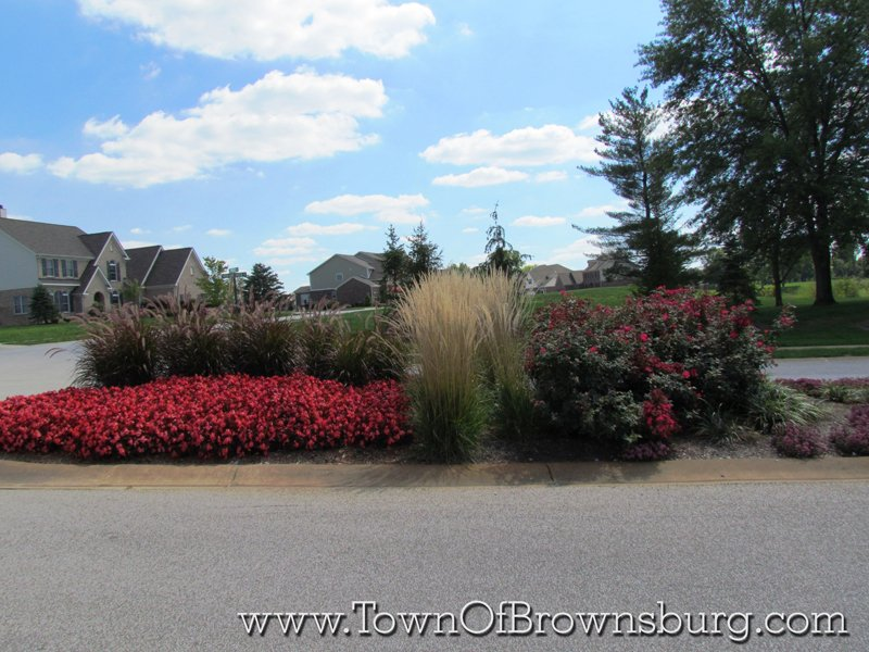 Highland Springs, Brownsburg, IN: Entrance Landscaping
