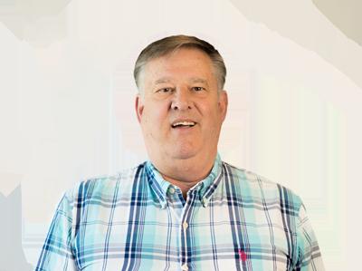 Dan Dunbar, Accountant